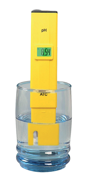 pH or conductivity pocket tester
