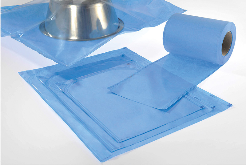 Sachets and gaines en non-tissé plastique transparent